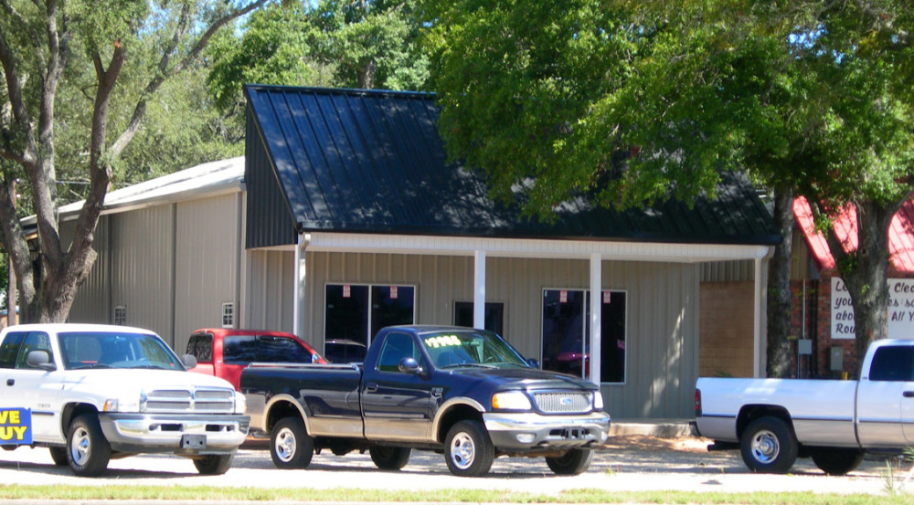Commercial Retail Building constructed by Mainstreet Property Services.