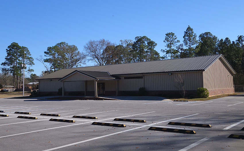 Maintsreet Property Services offers professional contracting and parking lot services.
